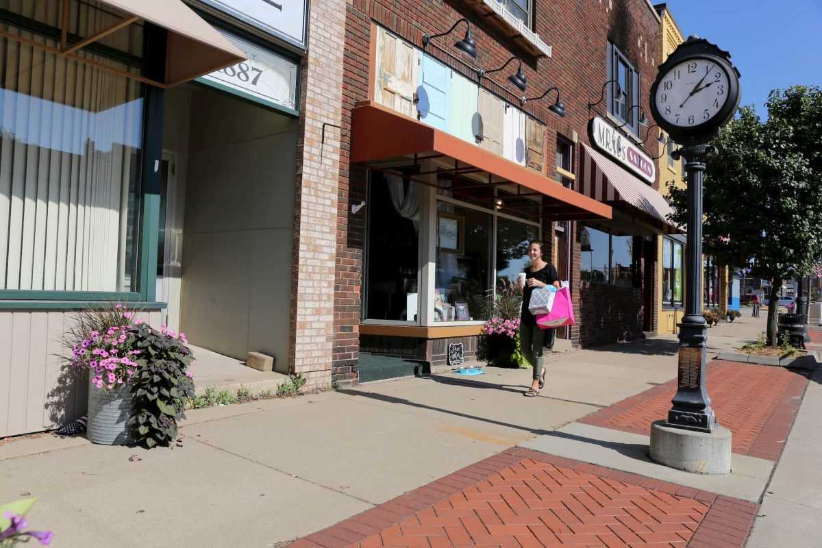 downtown marshfield shopping