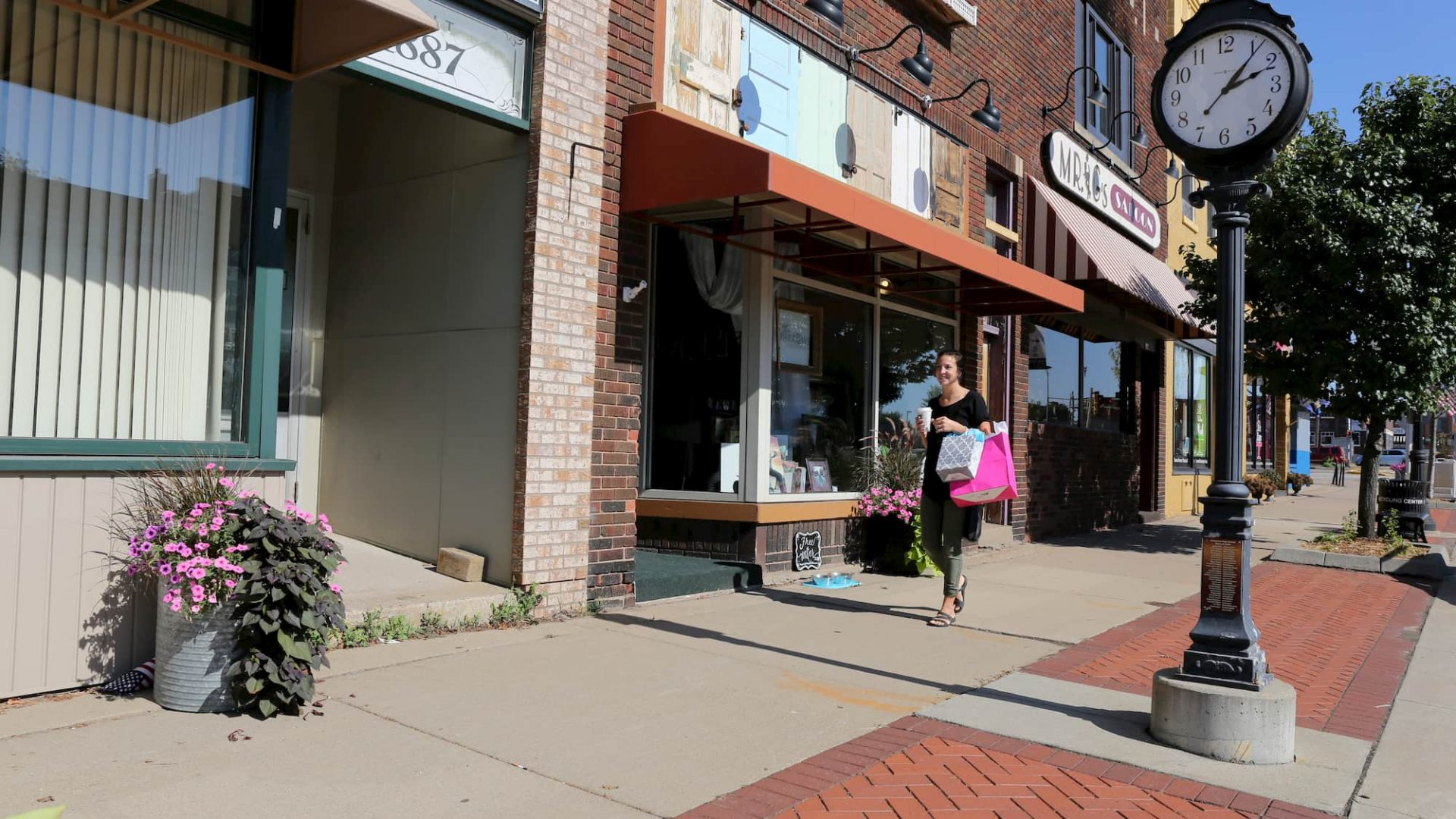 downtown marshfield shopping